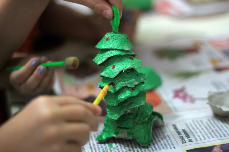 Make Egg Carton Christmas Trees