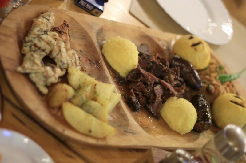 Club Villa Bran Food