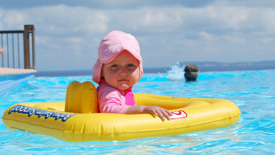 WHAT TO LOOK FOR WHEN BUYING CHILDREN'S SWIMMING AIDS
