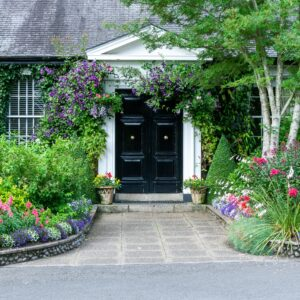Creating the Perfect Paths Around the Exterior of Your Home